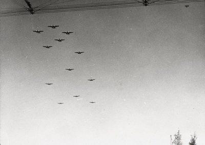 AIRPLANE-13R